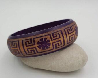 Bracelet en bois style oriental.