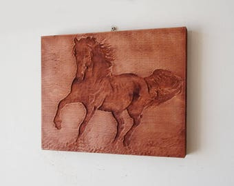 Animal portraits on wood, your pet on woodcarving, solid wood hangs on the wall, relief