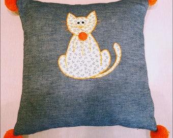 Cat sitting cushion, denim.