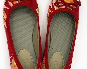 Women's Handmade Ethnic Batik Flat Casual Red Comfortable Walking Shoes