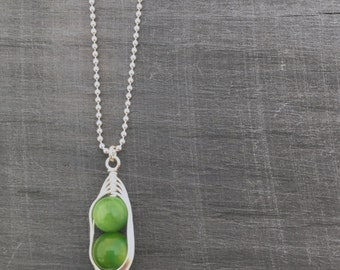 Pea pod necklace // Two peas in a pod with green mother of pearl Pea pod jewelry, mom, sister, best friend twin jewelry
