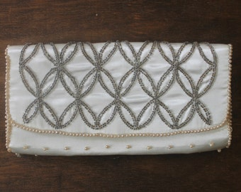 vintage 1950s white beaded evening clutch • 50s white clutch • vintage white evening bag purse