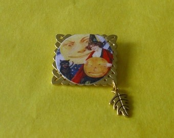 Pretty Witch with Smiling Moon, Cat and Pumpkin Halloween Brooch ooak