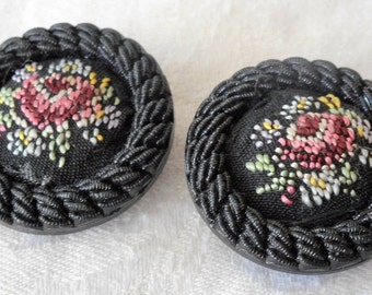Set of 2 VINTAGE Fabric Needlepoint Flower in Black Plastic BUTTONS
