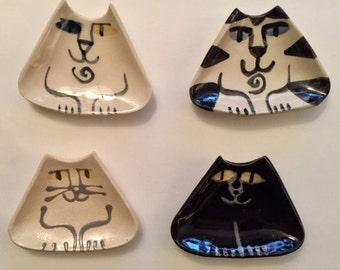 Ceramic black white Cat ring trinket spice dish triangle shape cat lover Gift Pottery handmade clay happy cat feline decor