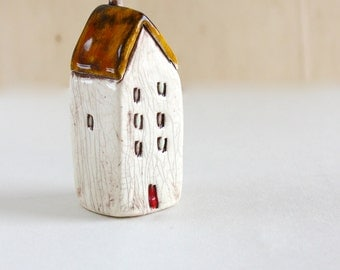 Lilliputian House from Someplace Else 5