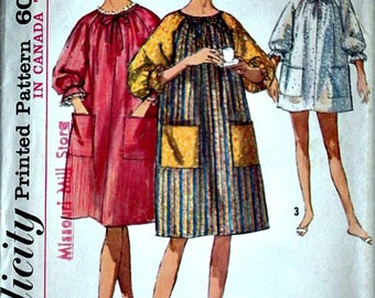 Vintage 60's Simplicity 6074 Sewing Pattern, Misses' Pop-In Housecoat/Robe in Two Lengths, Size Small 10-12, Bust 31-32, Retro 1970's
