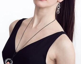 Circle Chain Earrings