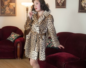 Vintage 1960s Coat - Fabulous High Quality Faux Fur Leoard Coat with Matching Inner Ties