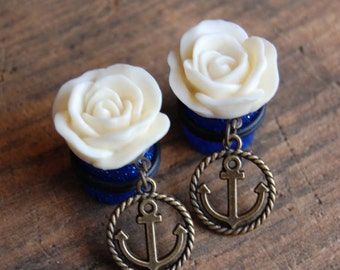 """9/16"""" (14mm) Cream White Rose Flower Plugs with Anchor Charms. Hidden Gauges for stretched ears. Dangle Hanging Charm Plugs. White Rose."""