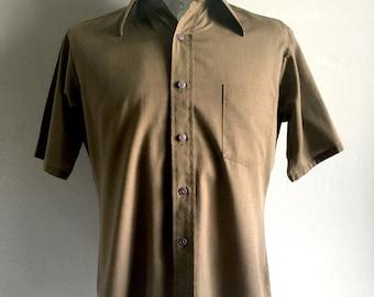 Vintage Men's 70's Brown, Shirt, Short Sleeve, Button Down by Van Heusen (M)