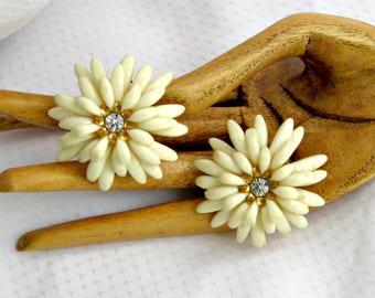 White Chrysanthemum Earrings Vintage 50s Rhinestone and Plastic