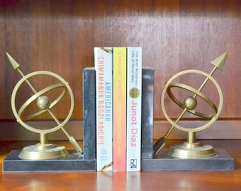 vintage mid-century marble and brass sundial bookends / hollywood regency home decor / vintage library bookends