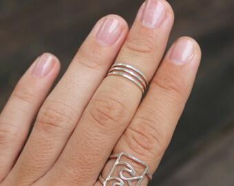 Three Snaps Midi Ring