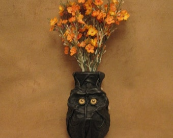 """Grichels small flower vase - """"Paimul"""" 29214 - black leather with honey brown coyote eyes"""