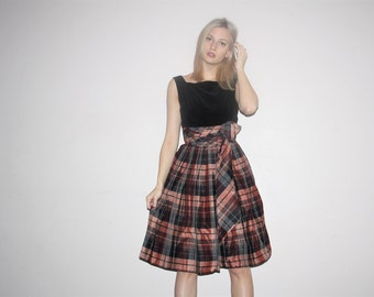 1950s Vintage Black Velvet Plaid Skirt Pinup Bombshell Party Dress - Vintage 50s Cupcake Dress - W00463