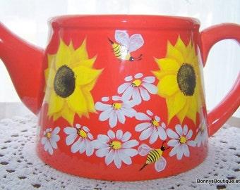 Ceramic flower pot  sunflowers dasies bumble bees