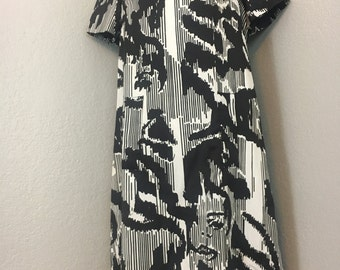 Vintage 1960s mod graphic black and white abstract faces dress sz L Large