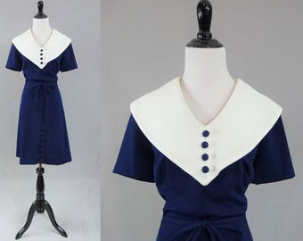 60s Navy Blue Dress - Big White Collar - Crimplene Textured Fabric - Edith Flagg California - Vintage 1960s - M L