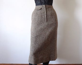 1980s Wool Tweed Straight Skirt classic vintage fall & winter fashion