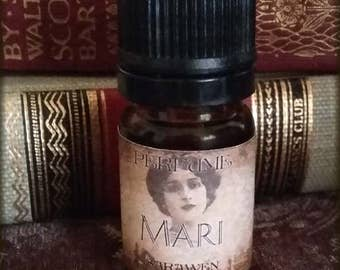 MARI Perfume Oil / Victorian Edwardian perfume / Black Tea, Jasmine scent / Vegan perfume oil / Victorian inspired