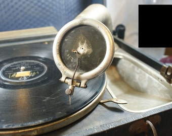 Pathe wind up windup portable phonograph record player