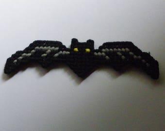 Plastic Canvas Bat Magnet   1176