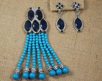 William deLillo 1973 Sapphire Blue and Crystal Rhinestone with Turquoise Glass Bead Dress Clip Brooch and Earrings