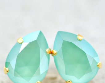 Mint Green Swarovski Stud Earrings Pear Tear Drop Stud Post Clip on Soft Seafoam Green Bridesmaid Wedding Jewelry Crystal Cluster Earring
