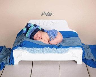Newborn Daybed Prop, Newborn Photo Prop, Vintage Style Newborn Furniture Prop, Wood Bed, Newborn Prop Bed, Newborn Photography Prop, Pet Bed