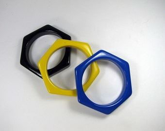 Vintage COLORFUL BANGLE BRACELET Set/3 Royal Blue Yellow Black Thick Plastic Jewelry Gift