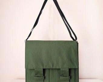 Messenger Bag /  Shoulder Bag for Men and Women / Cross Body Bag with Pockets in Green