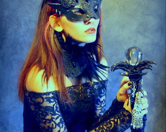 Satyr Witch mask & feathered collar