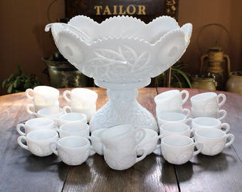 Vintage Milk Glass Punch Bowl Set Westmoreland Buzz Star 26 Pc