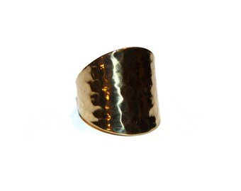Vintage Gold Tone Hammered Ring Size 8