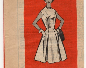 """1960's Mail Order One-Piece Fit and Flare Dress - Bust 34"""" - UC/FF - No. 4506"""