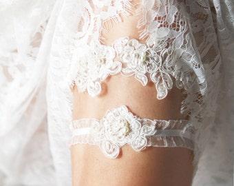 Wedding Garter Set Bridal Garter Lace Garter - Rustic Wedding Boho Wedding Keepsake Garter Toss Garter - Garters Belts Bohemian Wedding
