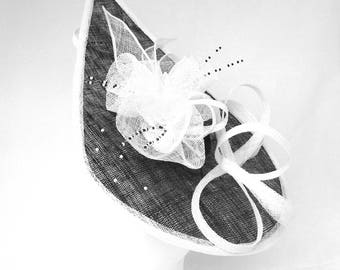 LULU - Black & White Teardrop Fascinator Hatinator Hat Headpiece for Weddings Mother of Bride Derby Royal Ascot Ladies Day Kentucky Derby