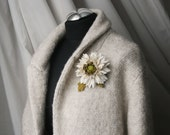 Ivory/Olive green Leather Chrysanthemum Flower Brooch/ Hairclip