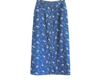 90s vintage floral denim jean skirt// button up jean skirt// medium