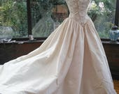 Gold and ivory Princess wedding dress 1990s Chinese silk gold embroidered bodice with button back uk10  usa size6