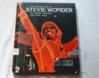 """Vintage Pop Culture Hardcover, """"The Picture Life of Stevie Wonder"""" by Audrey Edwards & Gary Wohl, 1977."""