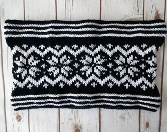 Black and White Fair Isle Snowflake Cowl, Hand Knit Women's Scarf, Women's Cowl, Knit Cowl, Cowl Scarf, Gift for Mom, Gift for Her