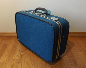 """Skyway Suitcase ~ 21"""" x 14"""" x 7"""" ~ 1960's ~ Blue Tweed ~ Soft Sides ~ Combination Lock"""