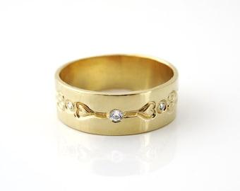 Diamond wedding band, unique diamond wedding ring, gold wedding ring, 14k solid gold floral diamond ring with diamonds, diamond heart ring