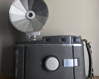 Polaroid Land Camera Model 150 With Rare Metal Collapsable Flash Made In Japan