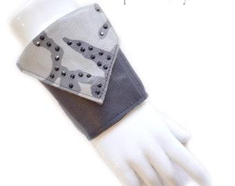 Leather | Womens Wallet | Wrist | Cuff | Wallet | Wrist Wallet | Gray Camoflage