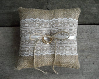 Burlap ring pillow Burlap Ring Bearer Pillow with White or Ivory cotton lace Ring cushion Woodland / Rustic / Cottage style Weddings