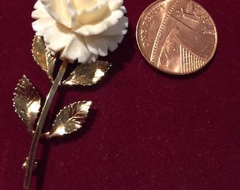12K Gold filled 1960s carved Rose flower brooch by Catamore