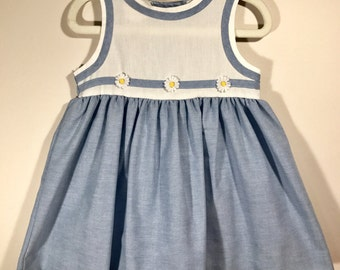 Vintage Picnic Dress with Daisies